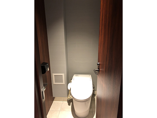 プラチナ御堂筋本町ビル トイレ1