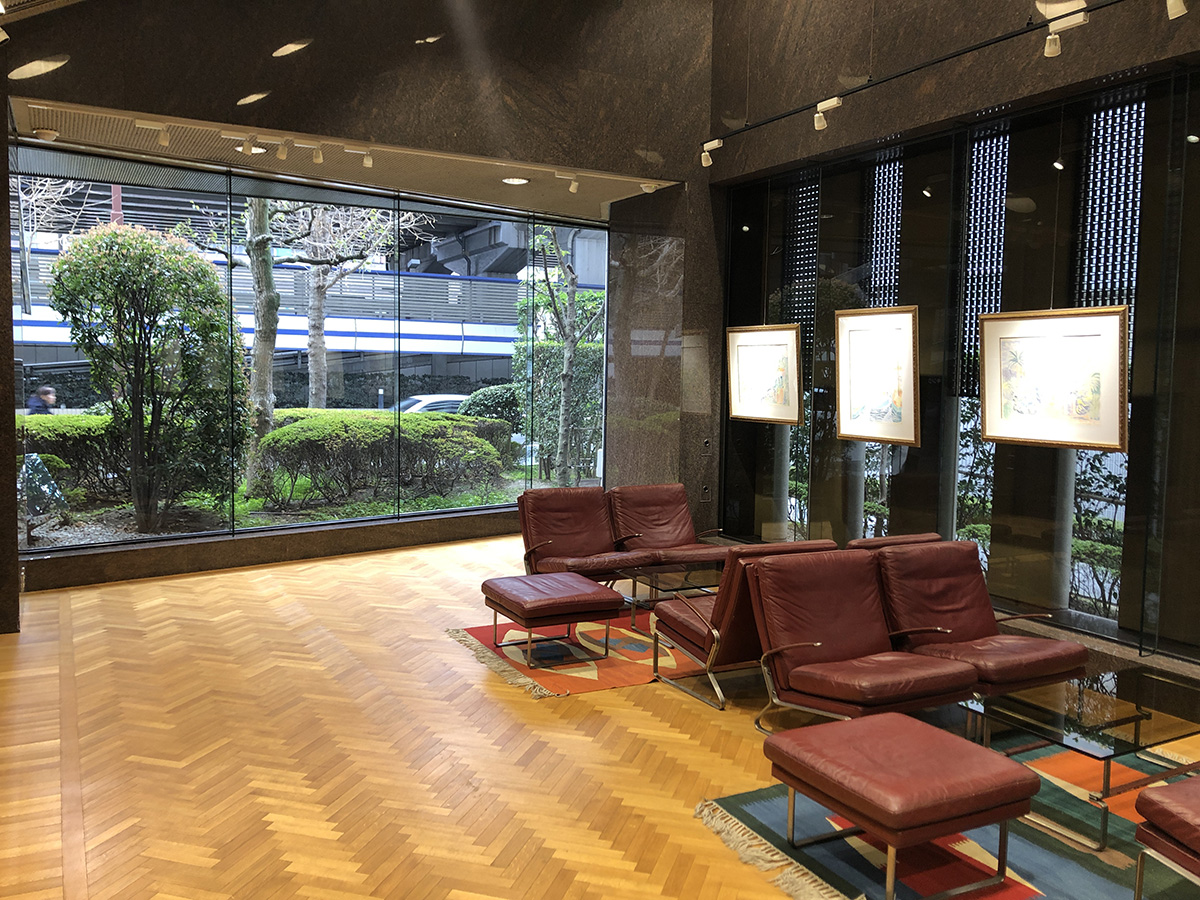 キング大阪ビル1Fエントランス