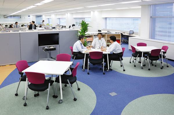 オフィス移転プロジェクト事例 / ライオン商事株式会社 / 休憩スペース