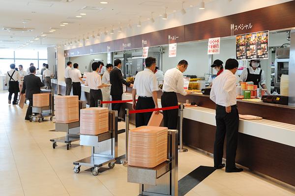 オフィス移転プロジェクト事例 /りそな銀行 / 社員食堂