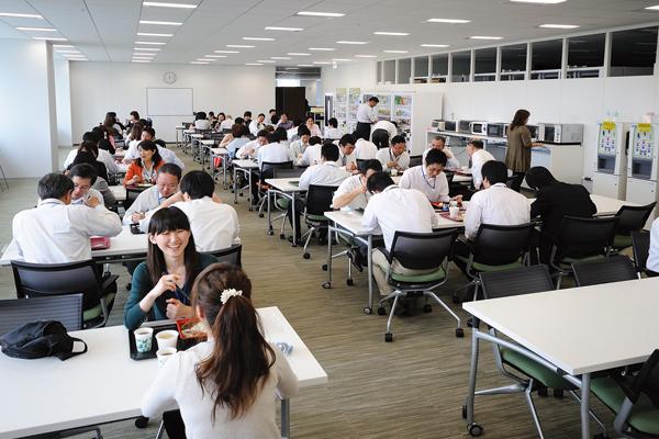 オフィス移転プロジェクト事例 /株式会社マルハニチロホールディングス / 食堂