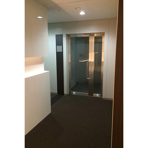 御堂筋グランタワー 基準階エレベータホール リニューアル工事完了(全行程完了は9月末予定)