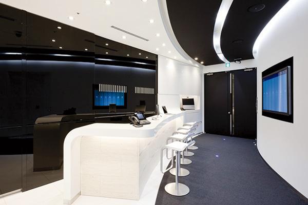 オフィス移転プロジェクト事例 / シスコシステム合同会社 / 円形状に拡張されたショーケーススペース