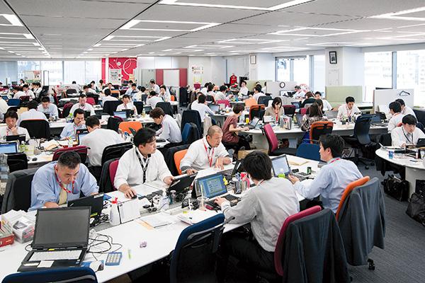 オフィス移転プロジェクト事例 / 東京コカ・コーラボトリング株式会社 フリーアドレス制を導入した新オフィス