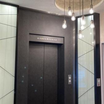 1階 エレベーターホール
